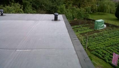 Couverture EPDM Hennebon - étanchéité rive plate avec le flashing - fin des travaux