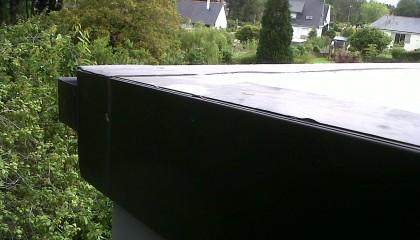 Couverture EPDM Hennebon - finition rive plate en zinc - fin des travaux