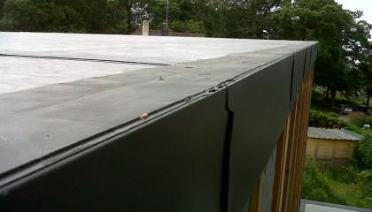 Couverture EPDM Hennebon - rive plate en zinc
