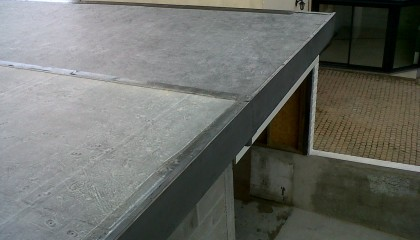 R5 Finition rives plates en zinc fin des travaux