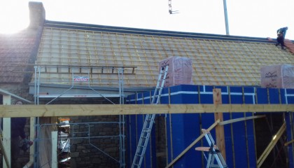 ITE des toitures en pente à Locmariaquer - Sarking sous tuile 2